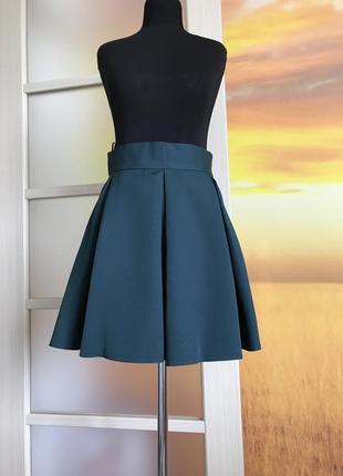 Новая школьная юбка изумрудного зеленого цвета