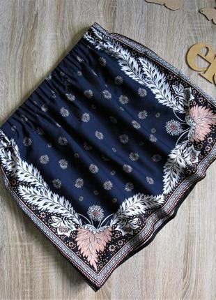 Лёгкая короткая юбка в принт vero moda eur 38/40
