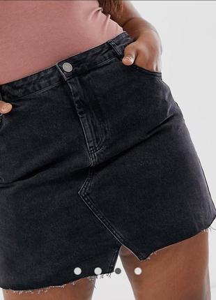 Графитовая джинсовая мини юбка с разрезом темная плотная чёрная plus size большой размер
