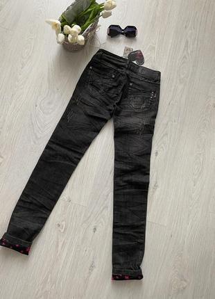 Стильные рваные джинсы sarah chole италия6 фото