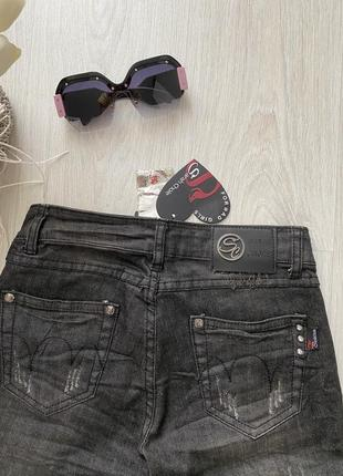 Стильные рваные джинсы sarah chole италия8 фото