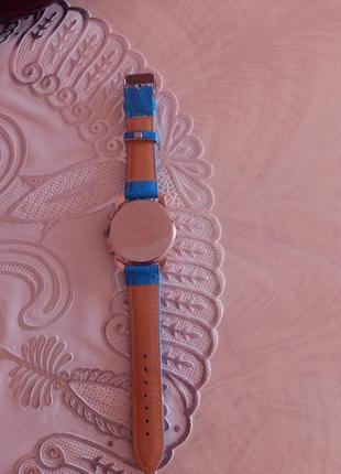 Часы,,geneva,,2 фото