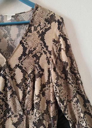 Шикарное макси-платье в змеиный принт h&m5 фото