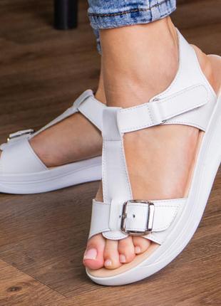 Кожаные босоножки сандали на танкетке белые летние (натуральная кожа) - женская летняя обувь 20212 фото