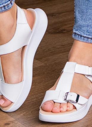 Кожаные босоножки сандали на танкетке белые летние (натуральная кожа) - женская летняя обувь 20214 фото