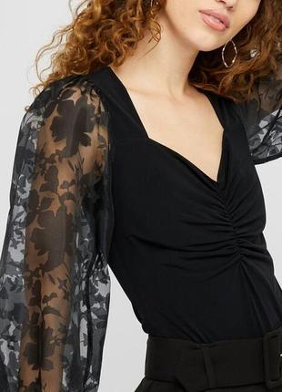 Красивая блуза с объемными рукавами из органзы monsoon