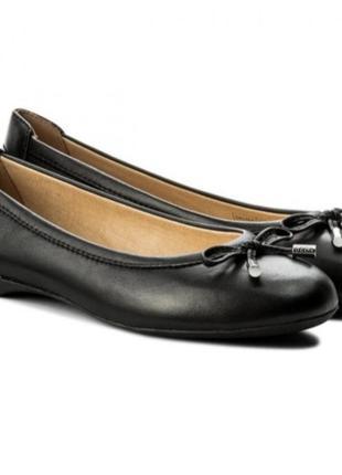 Туфлі балетки geox