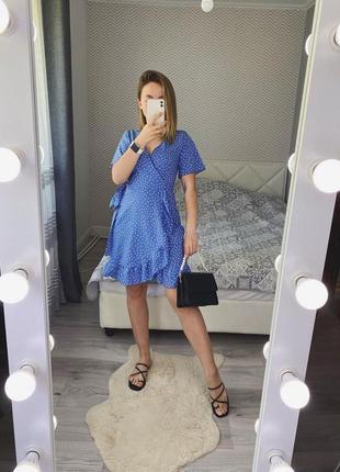 Новое синее платье на запах в горох