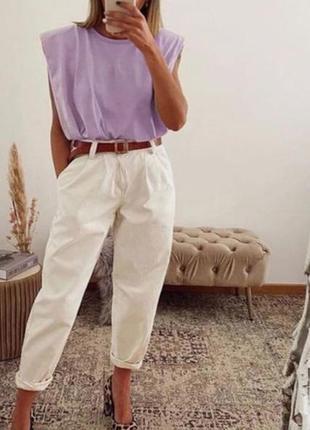 Белые брюки джинсы слоучи