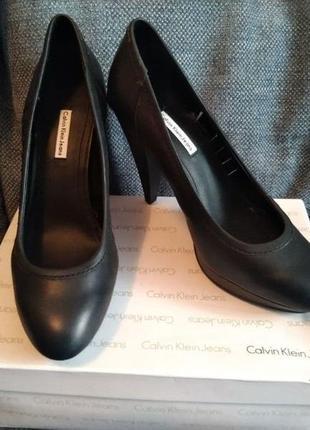 Туфли на шпильке calvin klein1 фото
