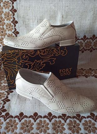 Нові шкіряні чоловічі туфлі розмір 41