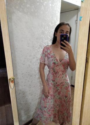 Шикарное нежное платье в цветочный принт винтаж