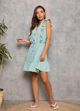 Платье с рюшами с резиночкой на талии мята