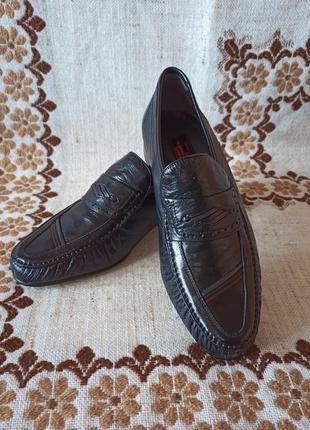Нові шкіряні чоловічі туфлі розмір 43