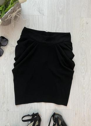 Красивая фирменная чёрная юбка в деловом стиле1 фото