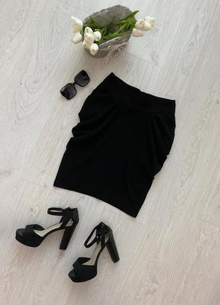 Красивая фирменная чёрная юбка в деловом стиле2 фото