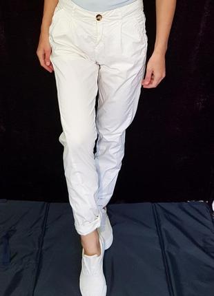 Скидка трендовые зауженые брюки джогеры topshop