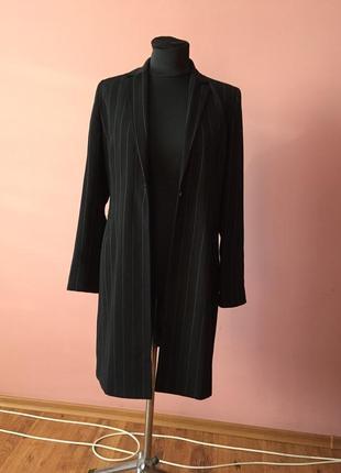 Чёрный кардиган в мелкую полоску на одной пуговице, ткань плотная р-р 46.4 фото