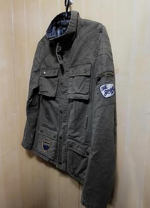 Стильная хаки курточка от известного бренда