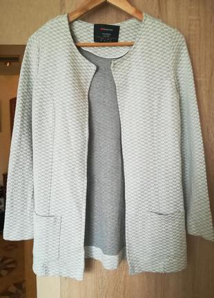 Піджачок жіночий
