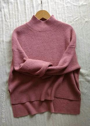 Стильный с шерстью свитер с горлом цвет пыльной розы h&m m