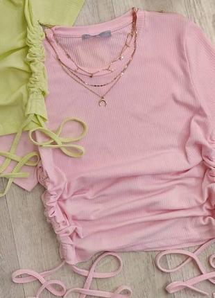 Розовый топ футболка в рубчик с стяжками по бокам2 фото