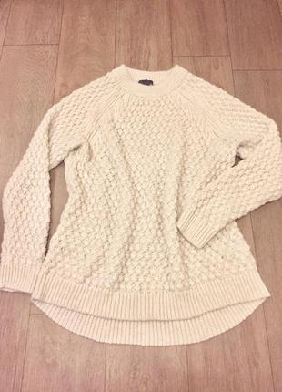 H&m свитер очень теплый молочного цвета