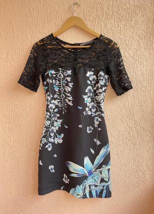 Платье в цветочный принт guess