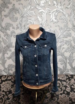 Джинсовый пиджак размер:s