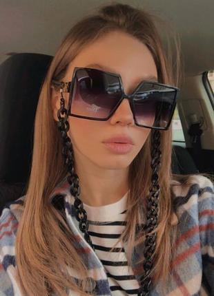 Квадратные солнцезащитные очки в стиле диор