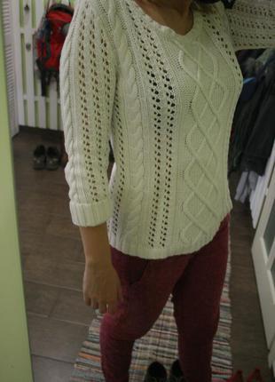 Базовый вязаный белый свитер - m