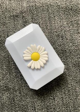 Маленький контейнер для линз с дзеркалом