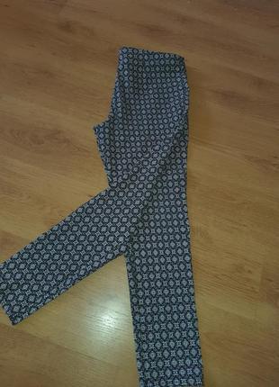 Стрейчевые штаны.