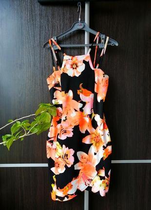 Шикарное,яркое оригинальное платье сукня. цветы. new look