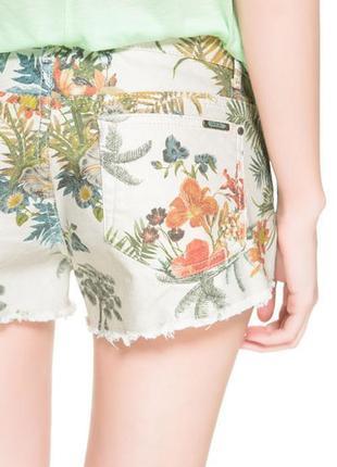 Крутые джинсовые шорты цветочный тропический принт zara trafaluc premium made in turkey