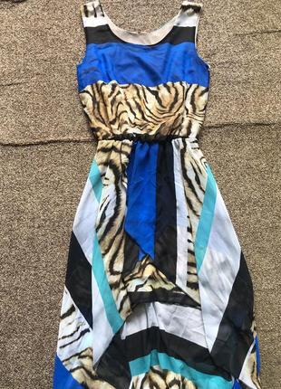 Платье каскадное,со шлейфом