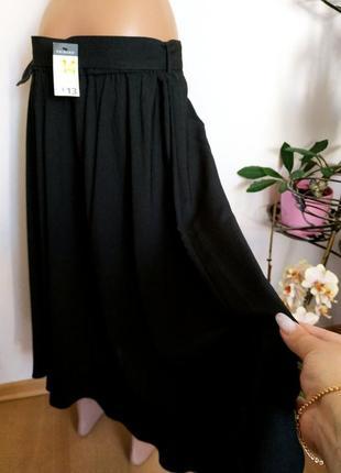 Лёгкая юбка миди с широким поясом