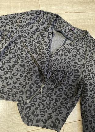 Вельветовый короткий пиджак