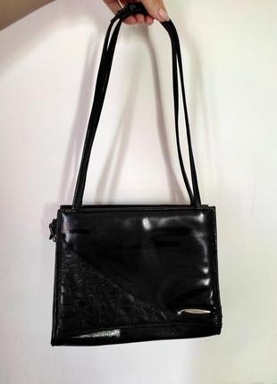 Чорна вінтажна сумочка