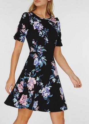 Платье в цветочный принт zara