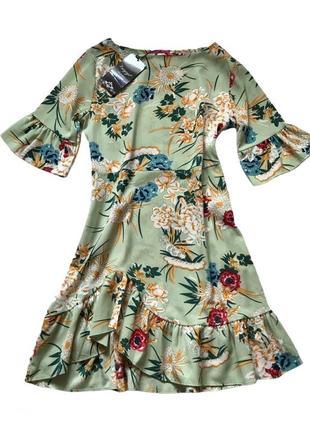 Платье в цветочный принт