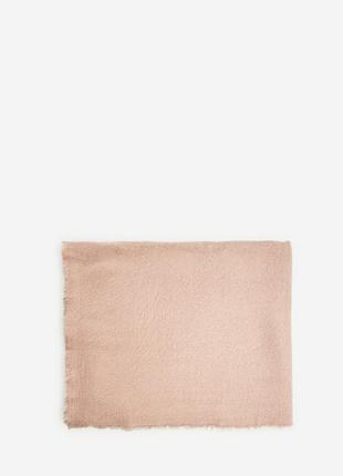 Шарф в пудово розовом цвете