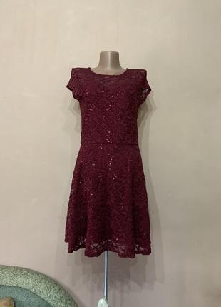 Платье летнее размер s m , нарядное , верх платья гипюр