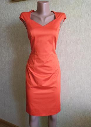 Стильное фирменное платье футляр, р.34,36