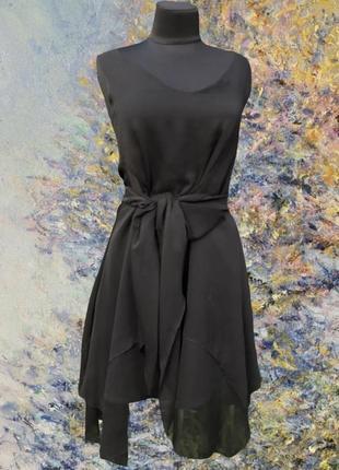 Французское ниспадающая ткань многослойное чёрное маленькое платье