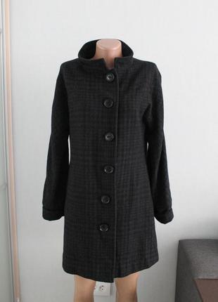 Продам пальто оверсайз в клетку от фирмы avant -premiere