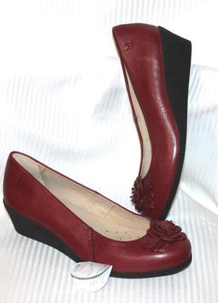Кожаные туфли танкетка натуральная кожа бордовый caprice германия 36-37р