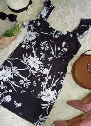 Цветочное платье мини по фигуре