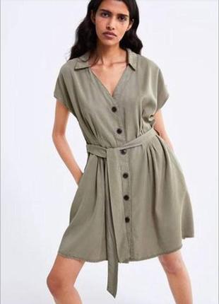 Платье на пуговицах хаки zara