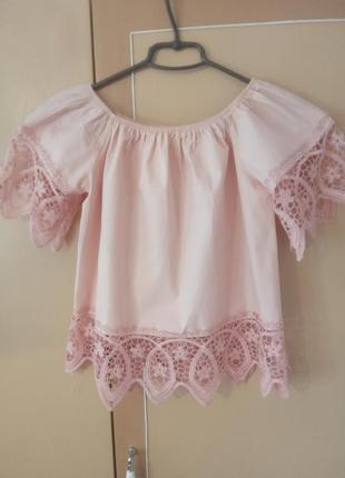 Легка летняя блуза.